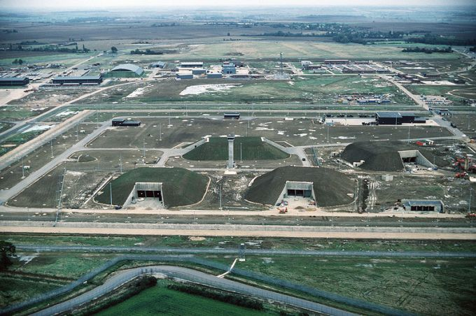 1989: the GAMA (GLCM Alert and Maintenance Area) at RAF Molesworth is completed for the housing of short-range nuclear weapons.