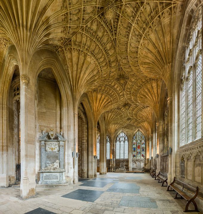 The Lady Chapel of Peterborough Cathedral, photo by DAVID ILIFF. License: CC-BY-SA 3.0